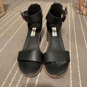 STEVE MADDEN strapped heel